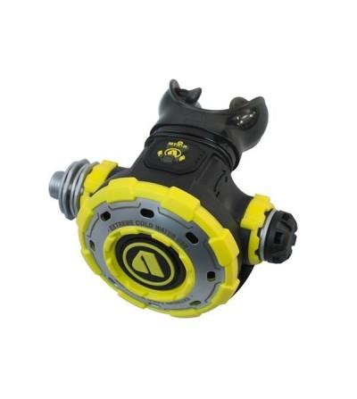 Octopus compensé Apeks MTX-R spécialement conçu pour la plongée en eau froide