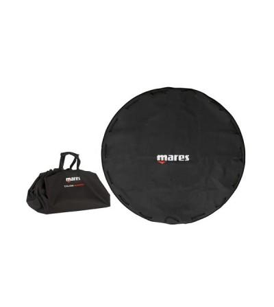 Sac étanche Mares Cruise Carpet qui peut servir de tapis de sol pour l'habillage et déshabillage
