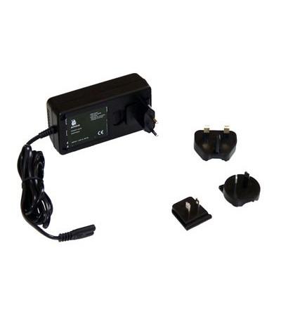 Chargeur automatique pour lampes et phares de plongée Bersub utilisable en 100V - 240V et charge 6V - 14V 1A