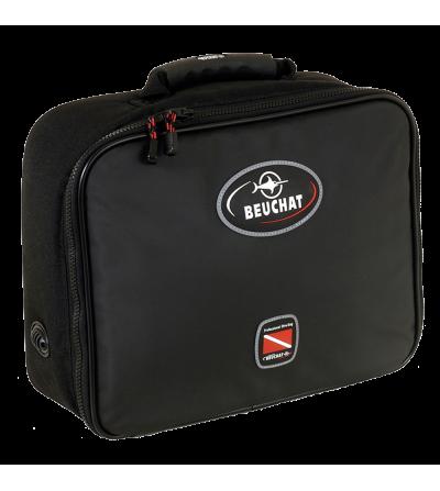 Sacoche livrée avec le détendeur compensé de plongée Beuchat VR 200 Soft Touch HF