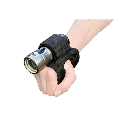 Ce support du poignet Bersub vous permet de tenir une lampe (diam max 25mm) en gardant vos mains libres en plongée ou sur terre